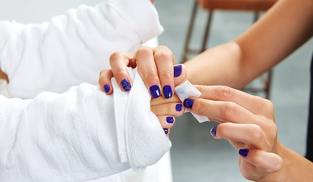 Pedicure Training Courses - Nail Polish Application