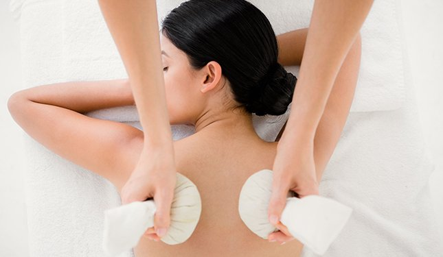 Thai Herbal Compress Massage training Course - Shoulder Massage Image