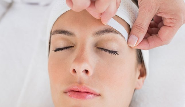 Waxing Training Courses - Image of Brow being waxed