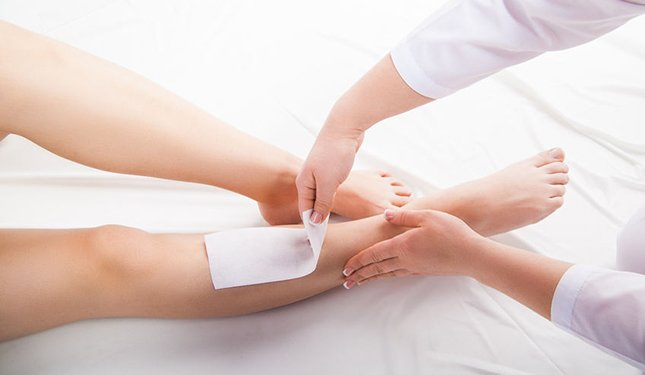 Waxing Training Courses - Image of Leg being waxed