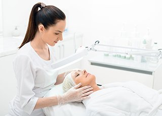 Cosmetic Chemical Skin Peels Training course - Epilation Treatment Image