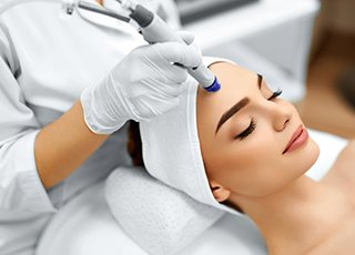 Facial Massage and Skin Care course - Microdermabrasion Image