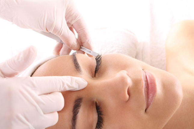 Picture of dermaplaning treatment